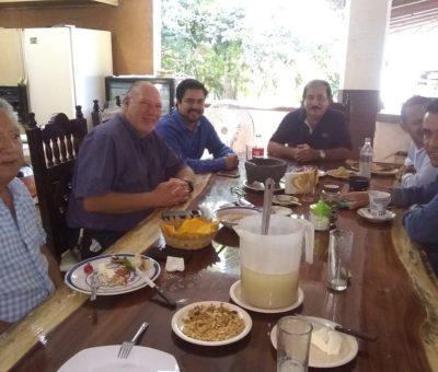 El Diputado Julio Anguiano se reúne con empresarios de Manzanillo
