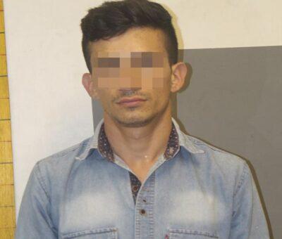 Mató en Jalisco a su mamá y su padrastro, se escondía en Colima