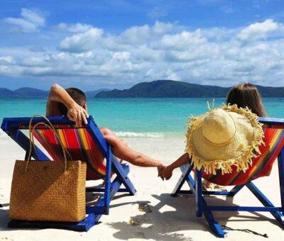 Encuesta dice que viajar trae más felicidad que casarse