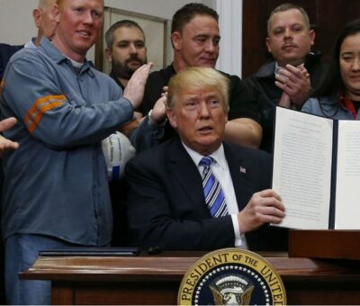 Confía Trump que cobro de aranceles a México inicie el lunes