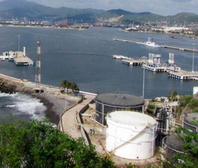 Llega gasolina «chafa» a México a través de Manzanillo