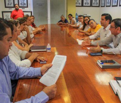 Trabajadores de los CENDIS piden entrega de sus recursos