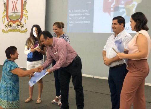 Felipe Cruz Pide a Villalvarenses Prevenirse Contra el Cáncer de Mama y Osteoporosis