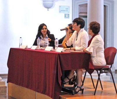 Reflexionan sobre la relación entre mujer y ciudad