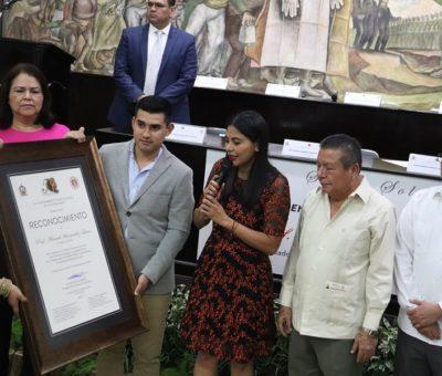 Cabildo reconoce al Profesor Manuel Hernández Luna, Teatro del Pueblo Llevará su Nombre