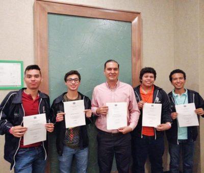 Ganan estudiantes de la UdeC medallas de plata y bronce en Olimpiada Nacional de Química