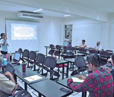 Aprenden docentes cómo realizar ensayos académicos para su publicación