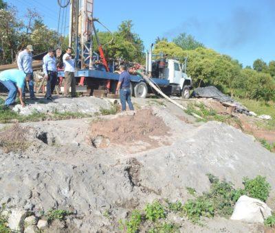 Rafael Mendoza supervisa avances en la construcción de pozos profundos