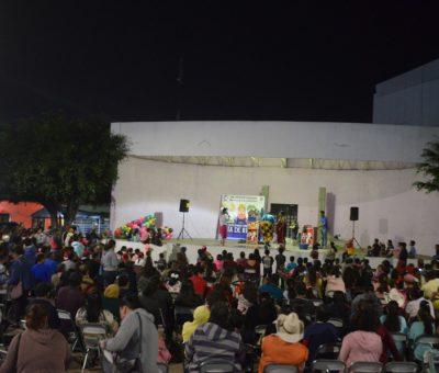 Por una semana lleva  Ayuntamiento Festival del Día de Reyes y la tradicional Rosca a comunidades