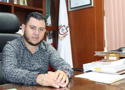Alcalde Salvador Bueno donará la mitad de su salario