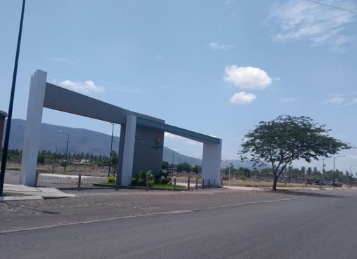 Vecinos del Fraccionamiento Valle de las Palmas cumplen la semana sin alumbrado público