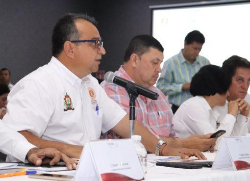 Negocios, Changarros y Comercio Deben Seguir, sin Aglomeración de Personas: Felipe Cruz