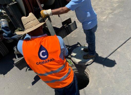 Realiza COMAPAL mantenimiento en red de drenaje de Armería