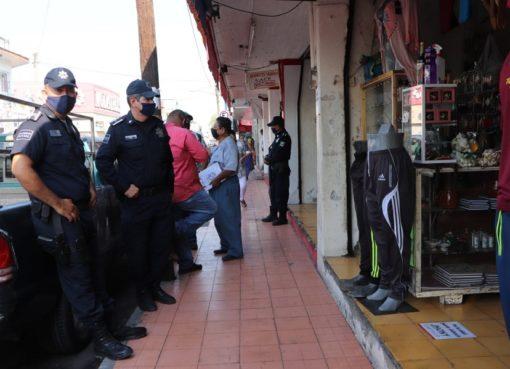 Comercios en Tecomán incumplen medidas sanitarias ante Covid- 19