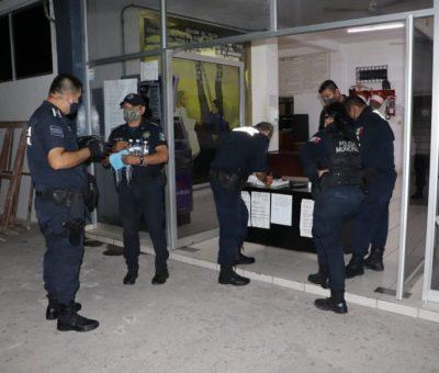 Policías deben poner el ejemplo; arrestan a quienes no usen cubrebocas