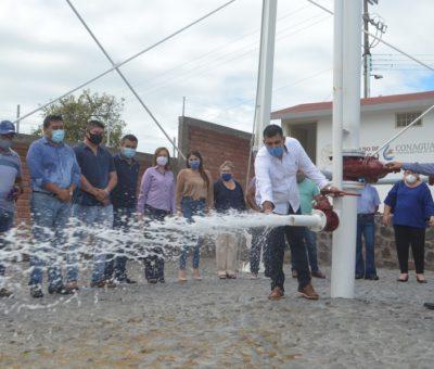 Rafael Mendoza inaugura pozo que garantiza suministro de agua a Quesería