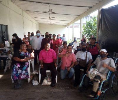 Llevan asistencia social a personas con discapacidad