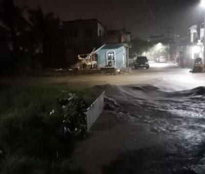 Nuevamente a Manzanillo azota fuerte lluvia y genera inundaciones