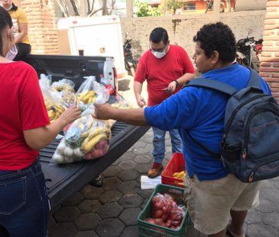 Beneficia Salvador Bueno a 300 familias con despensa de verduras a bajo costo