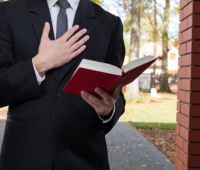 Por el Covid-19, Testigos de Jehová predican vía telefónica y a través de cartas