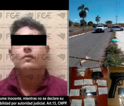 En Villa de Álvarez,  FGE detiene a hombre con arma de fuego y narcóticos
