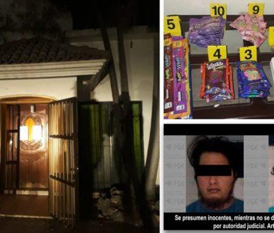 En Manzanillo, asegura FGE narcótico y detiene a dos hombres en cateo