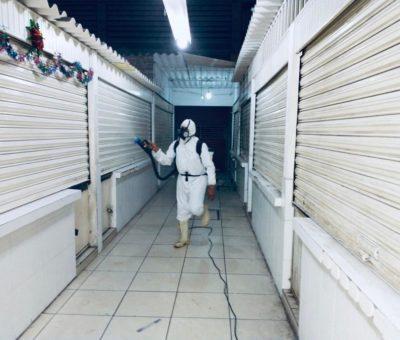 """Por tercera ocasión """"CNOP Tecomán» desinfecta y sanitiza el Mercado Lázaro Cárdenas"""