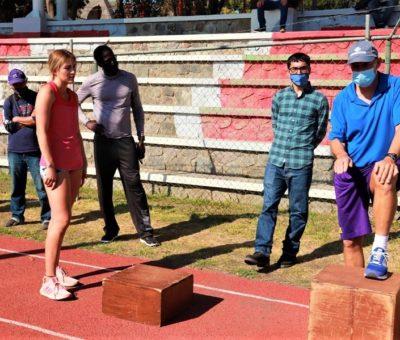 "Realizan clínica de atletismo Irving ""Boo"" Schexnayder en Colima"