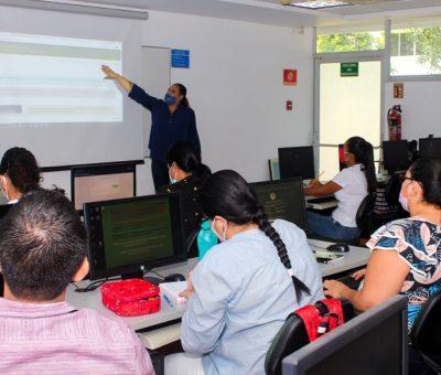 Capacitan a docentes para manejo de plataforma de Servicio Social, en Tecomán