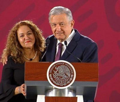 Sanjuana Martínez detrás de la red de ataques a periodistas críticos de AMLO, revela EU