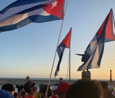 Salen a Cuba dos barcos con medicamentos, alimentos y gasolina que enviará México