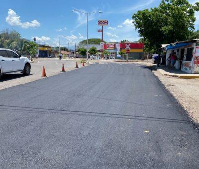 Rehabilitan entrada de Armería por autopista