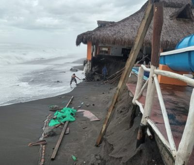 Deja «Nora» centenar de enramadas afectadas en la zona de playas