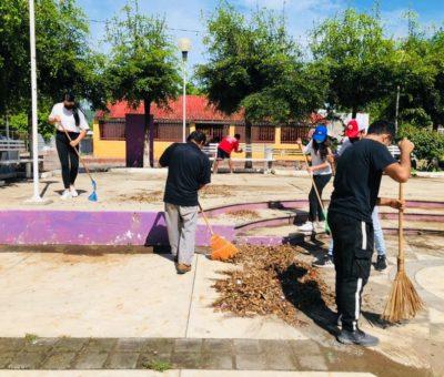 Realizan «jovenes en prevención» limpieza de parque en Callejones