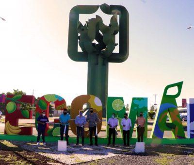 Familia Gudiño patrocina letrero al ingreso de Tecomán y Elías Lozano las entrega
